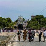 நயினை நாகபூசணி அம்மனின் திருவிழாவில் ஊரவர்கள் 30 பேர் மட்டுமே பங்கேற்க அனுமதி